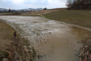 Kaum in Betrieb: Sedimentablagerungen, Verschlämmungen und Vernässungen